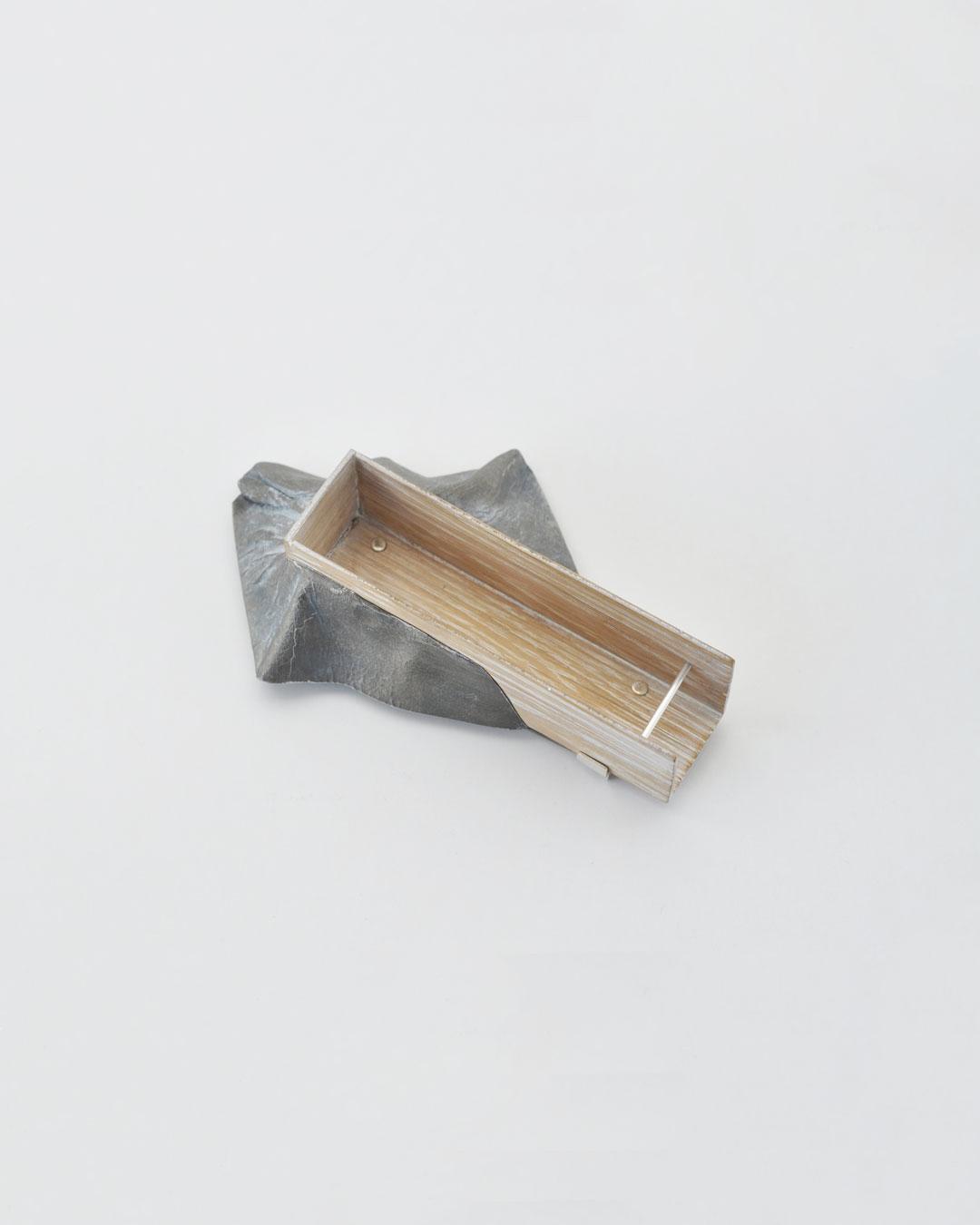 Anders Ljungberg, Declaration #1, 2019, brooch; aluminium, laminated oak, steel, silver, 148 x 95 x 42 mm, €920