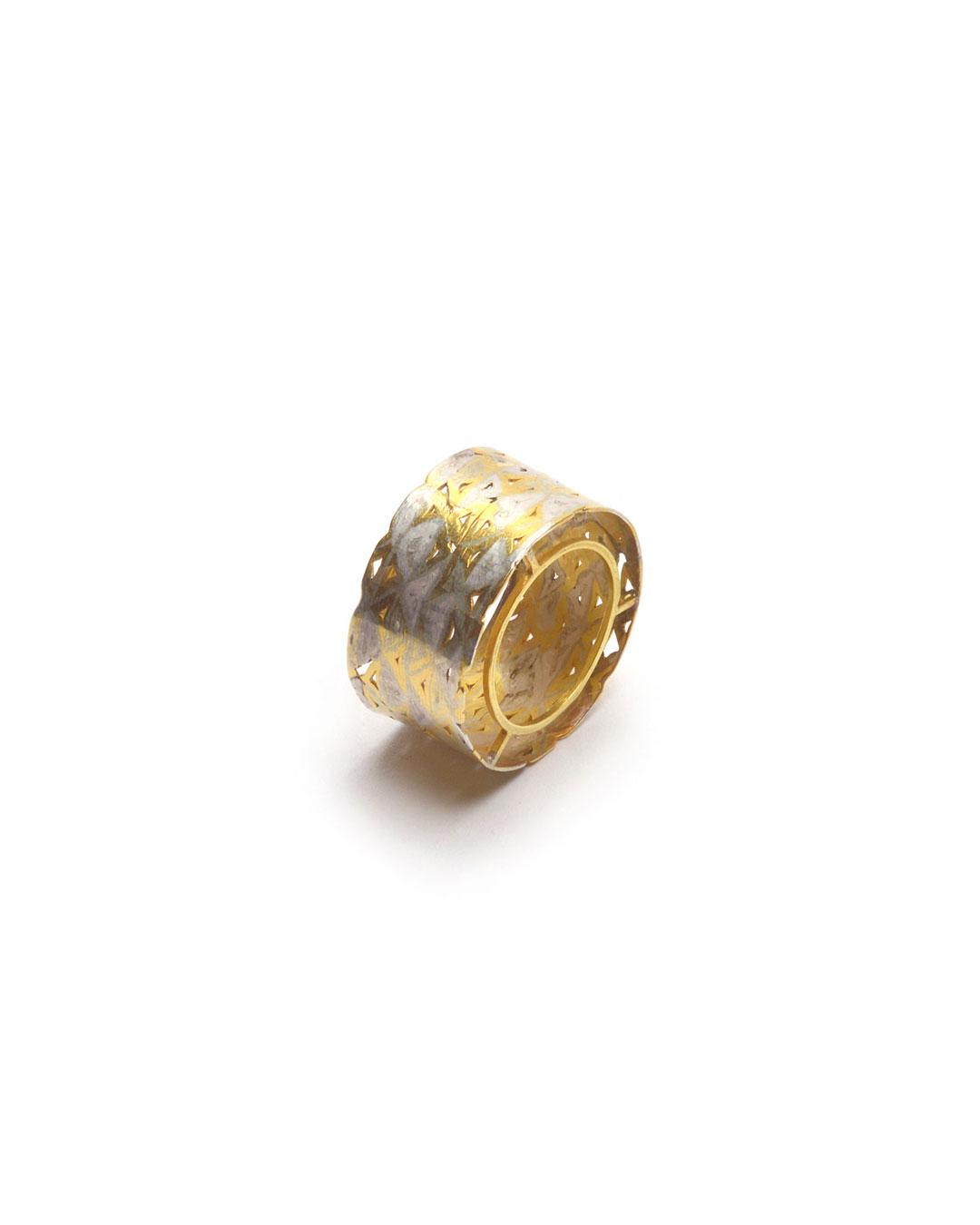 Stefano Marchetti, untitled, 2015, ring; gold, silver, 28 x 28 x 15 mm, €4000