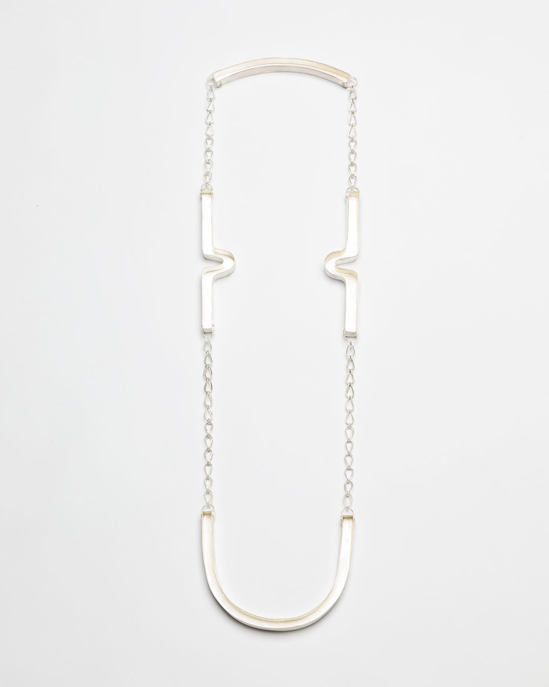 Christine Matthias, untitled, 2018, necklace; silver, L 1250 mm, €3525