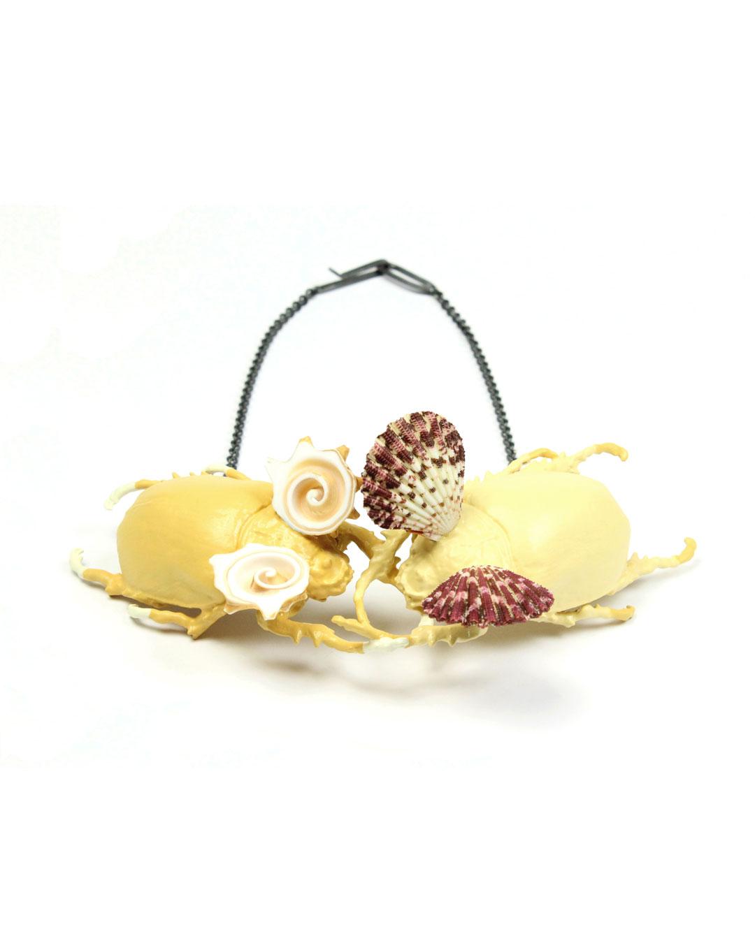 Märta Mattsson, Venus & Botticelli, 2019, necklace; beetles, copper, lacquer, resin, seashells, silver, 90 x 260 x 70 mm, €3150