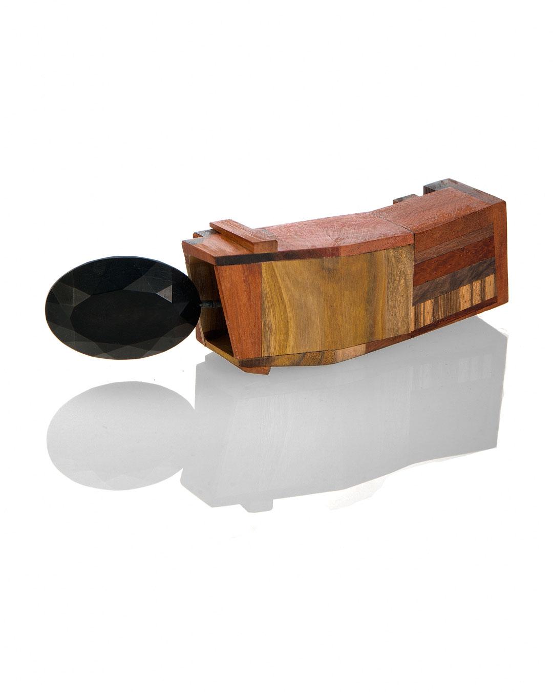 Tabea Reulecke, Schnitt für Schritt #3, 2012, brooch;  silver, various types of wood, 120 x 35 x 25 mm, €850