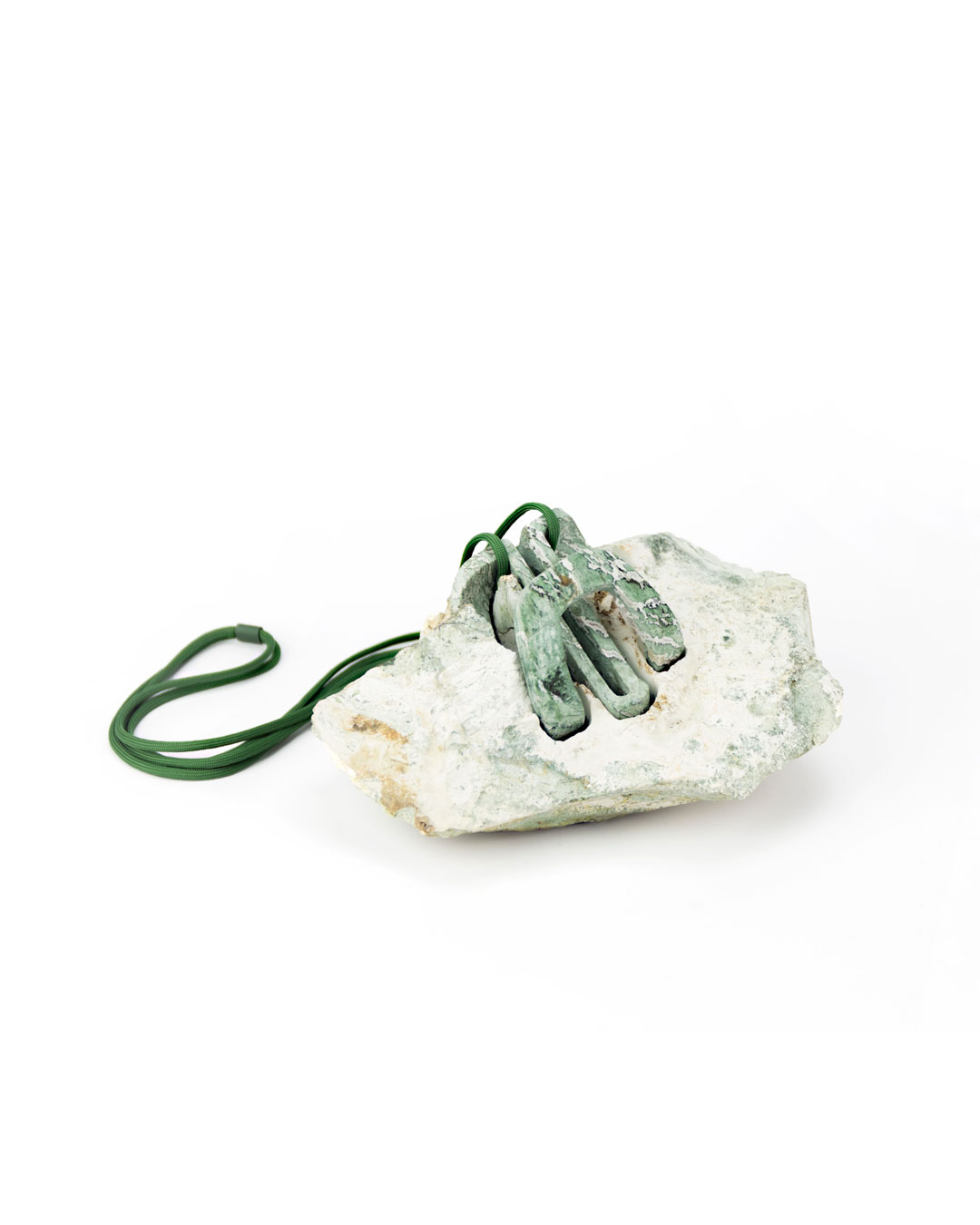 Edu Tarín, G0C2, 2018, pendant and object; turquoise agate, 92 x 80 x 50 mm, €5090 (image 2/2)