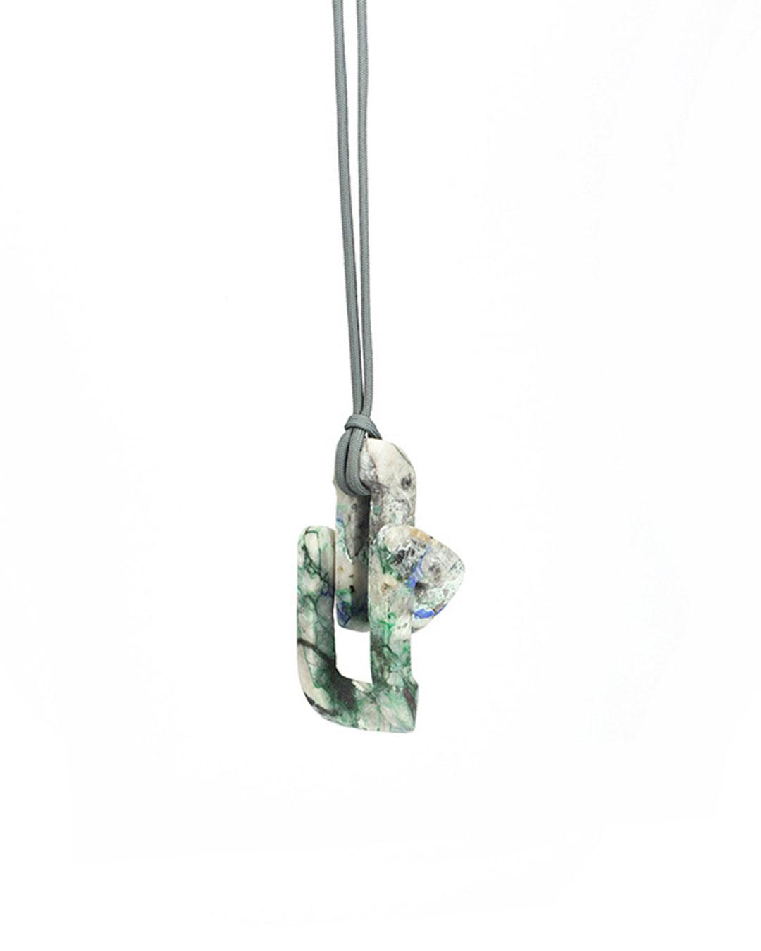 Edu Tarín, GOF3, 2019, pendant and object; azurite malachite , 110 x 65 x 50 mm, €4500 (image 1/2)