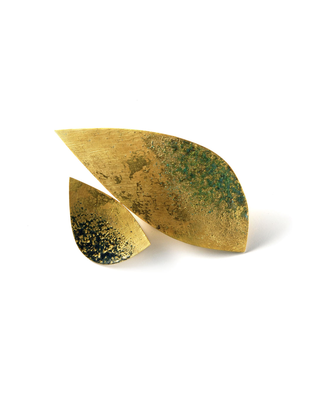 Graziano Visintin, untitled, 2007, brooch; gold, enamel, gold leaf, 56 x 80 mm, €7260