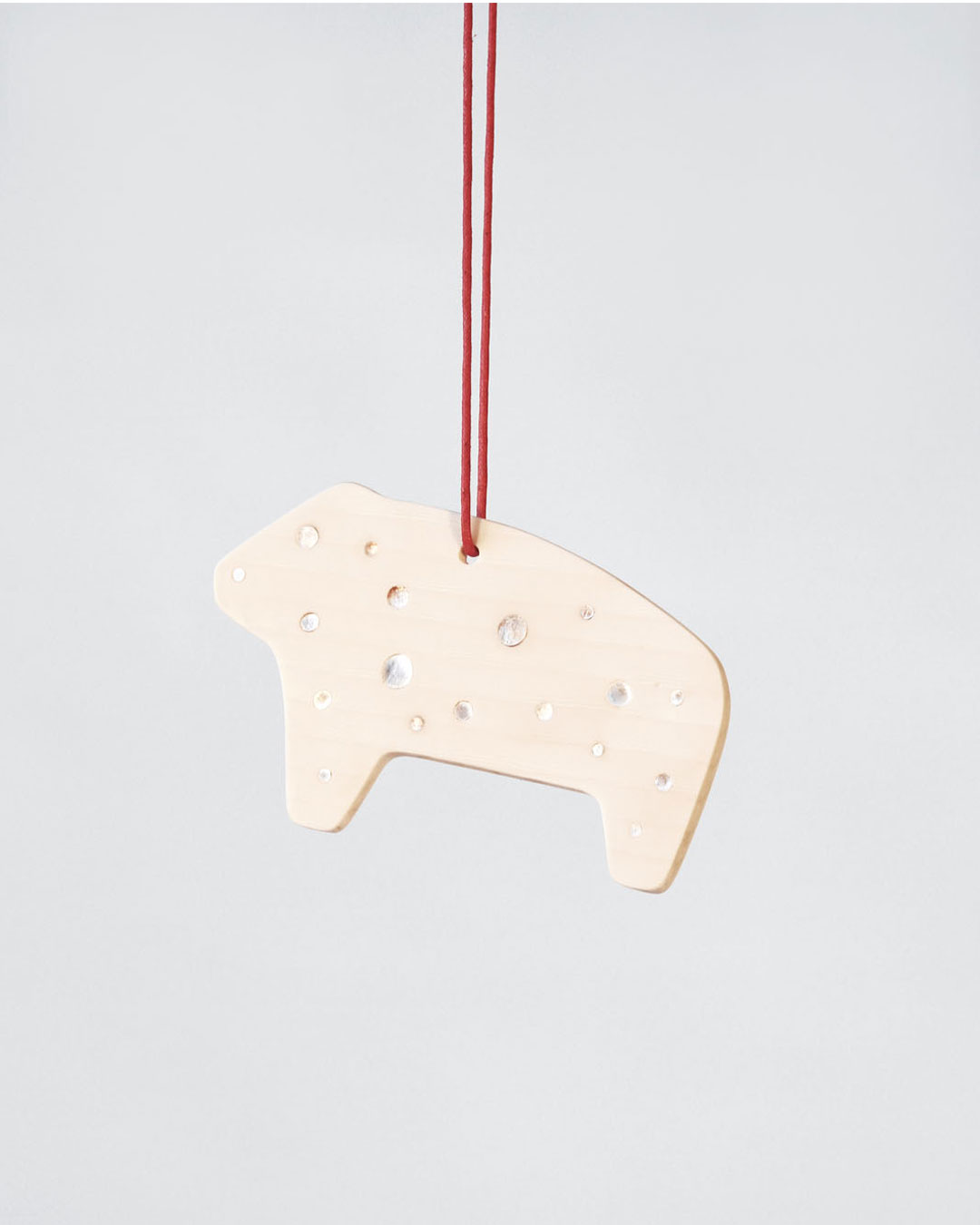 Julia Walter, Animal, 2014, pendant; Galalith, mother-of-pearl, cotton string, 120 x 70 x 5 mm, €1100