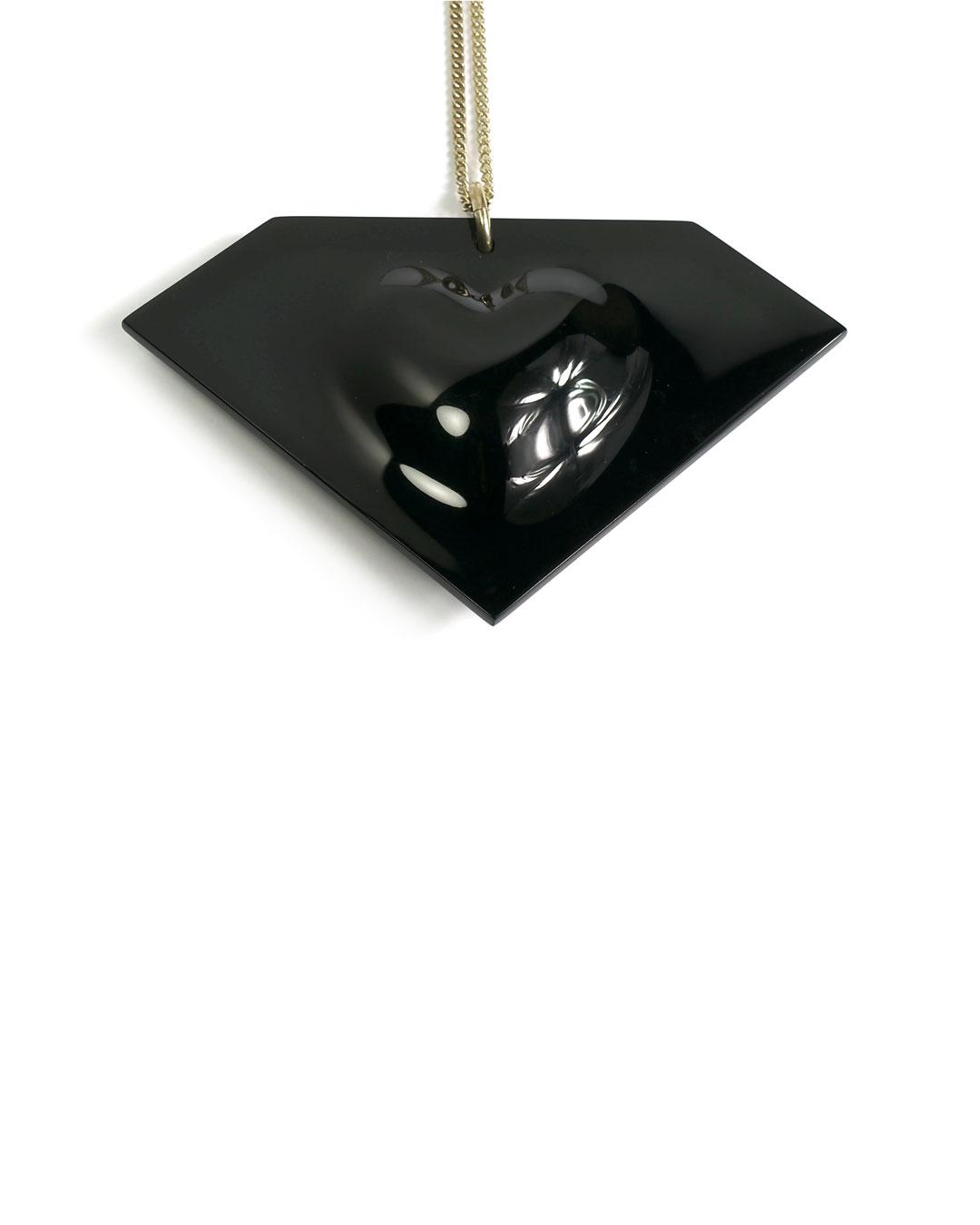 Florian Weichsberger, Diamond and Heart, 2009, pendant; plastic, silver, 110 x 70 x 20 mm, €1815