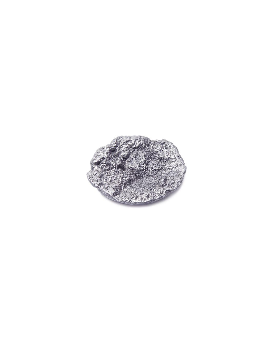 Barbara Schrobenhauser, Drawn to it I, 2015, brooch; aluminium, stainless steel, 45 x 45 x 10 mm, €485