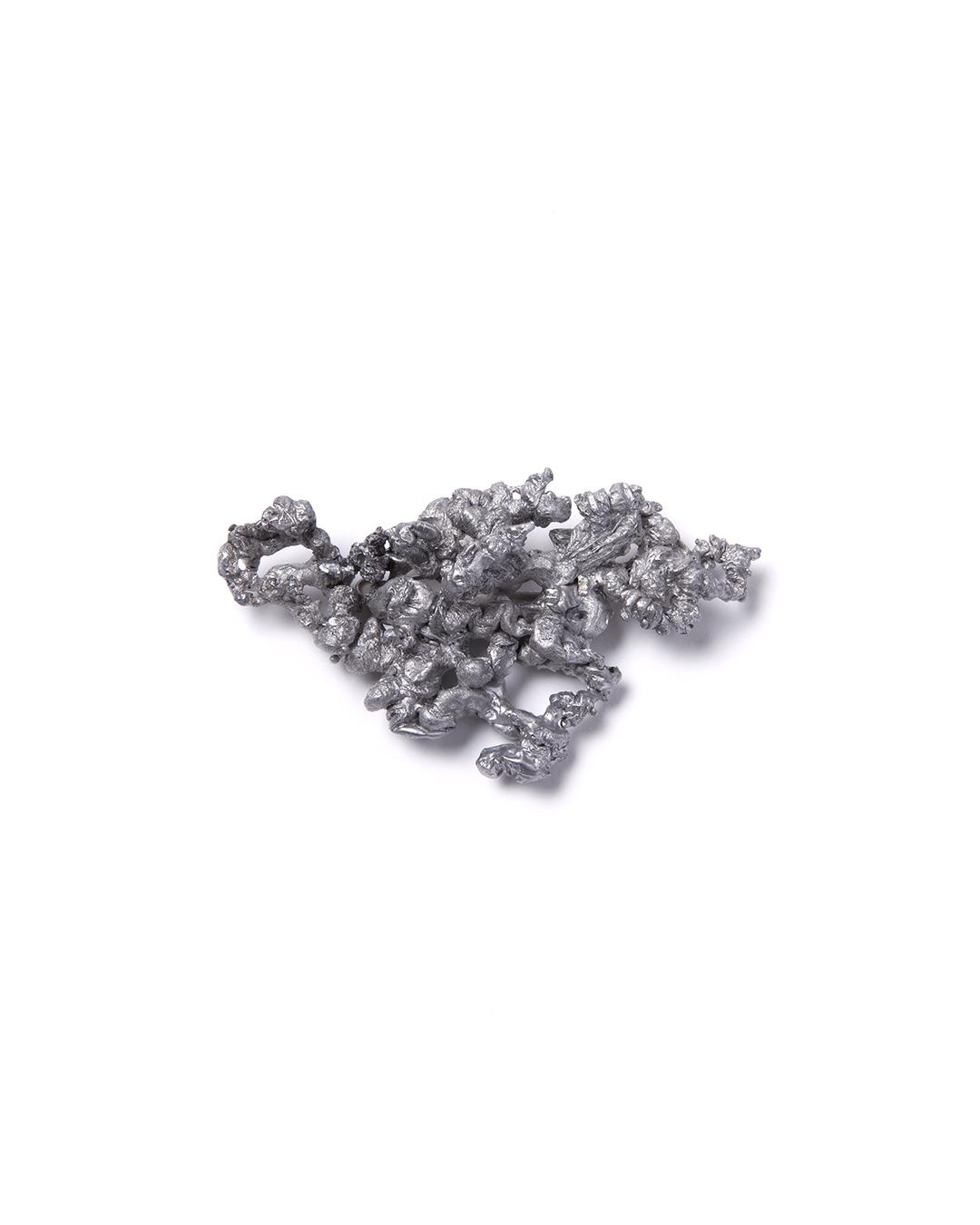 Barbara Schrobenhauser, Drawn to it II, 2015, brooch; aluminium, stainless steel, 85 x 48 x 23 mm, €585