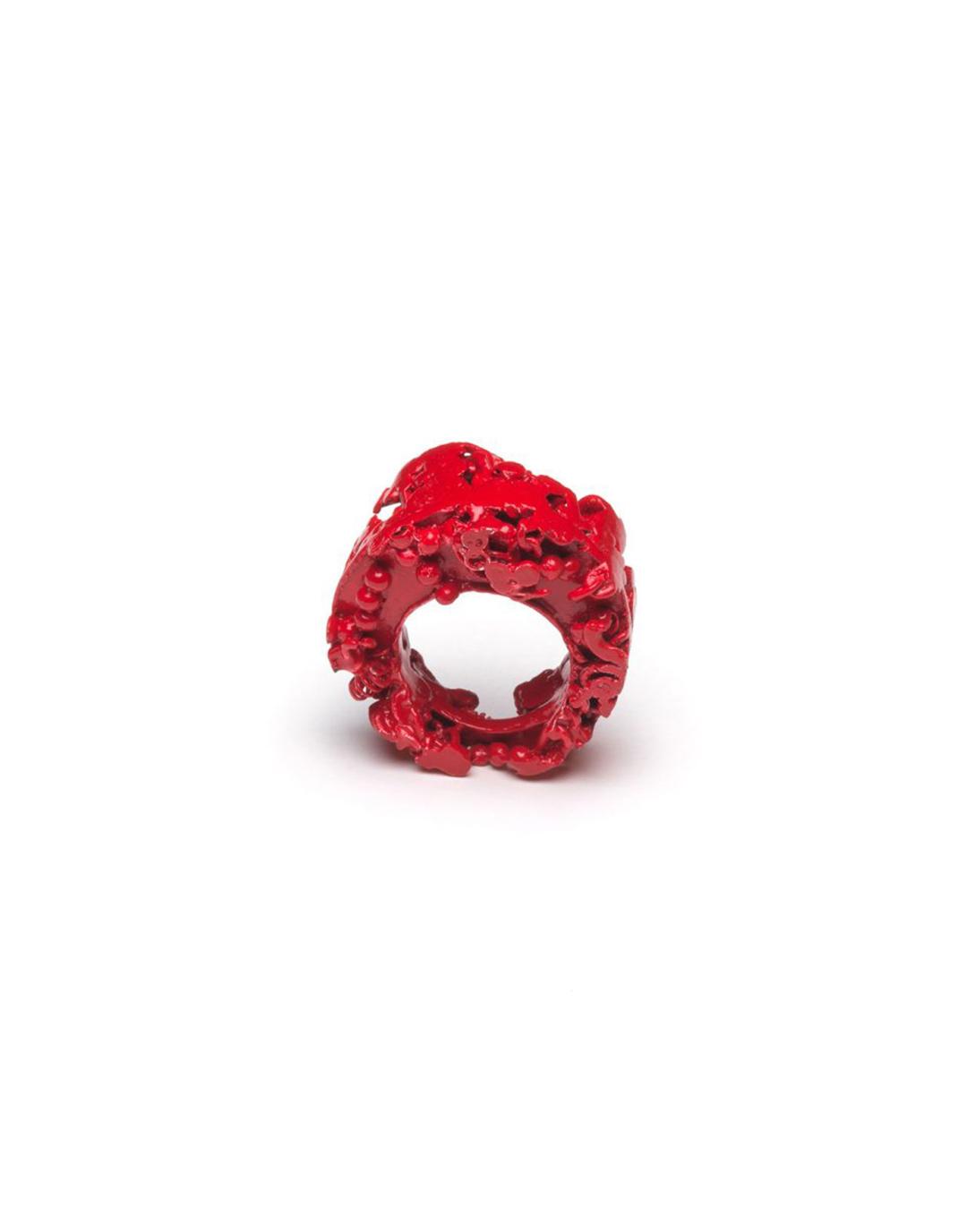 Doron Taubenfeld, zonder titel, 2009, ring; metaal, verf, 33 x 30 x 17 mm, €350