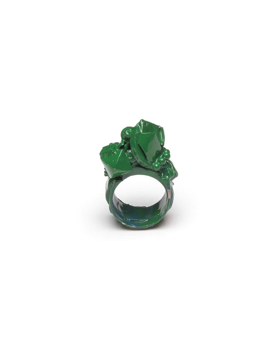 Doron Taubenfeld, zonder titel, 2009, ring; metaal, verf, 35 x 20 x 14 mm, €350