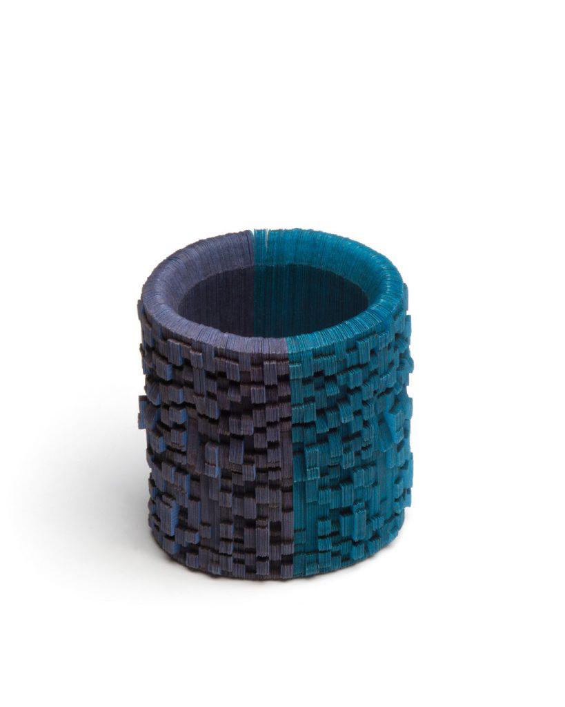 Genevieve Howard, Homeward Bound, 2017, bracelet; Japanese linen paper, elastic cord, 85 x 75 mm, €950
