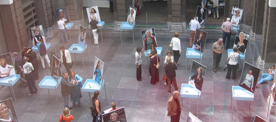 Sieraden, de Keuze van Schiedam, opening tentoonstelling in het museum in Schiedam
