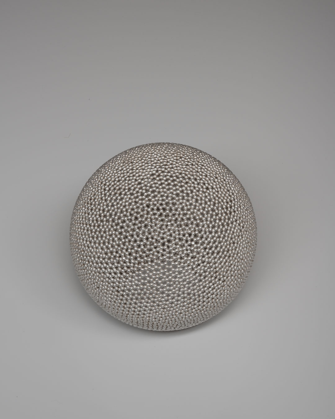 David Huycke, Pearl Bol, 2003, object; silver, 170 x 160 mm, €4500 (image 1 of 2)