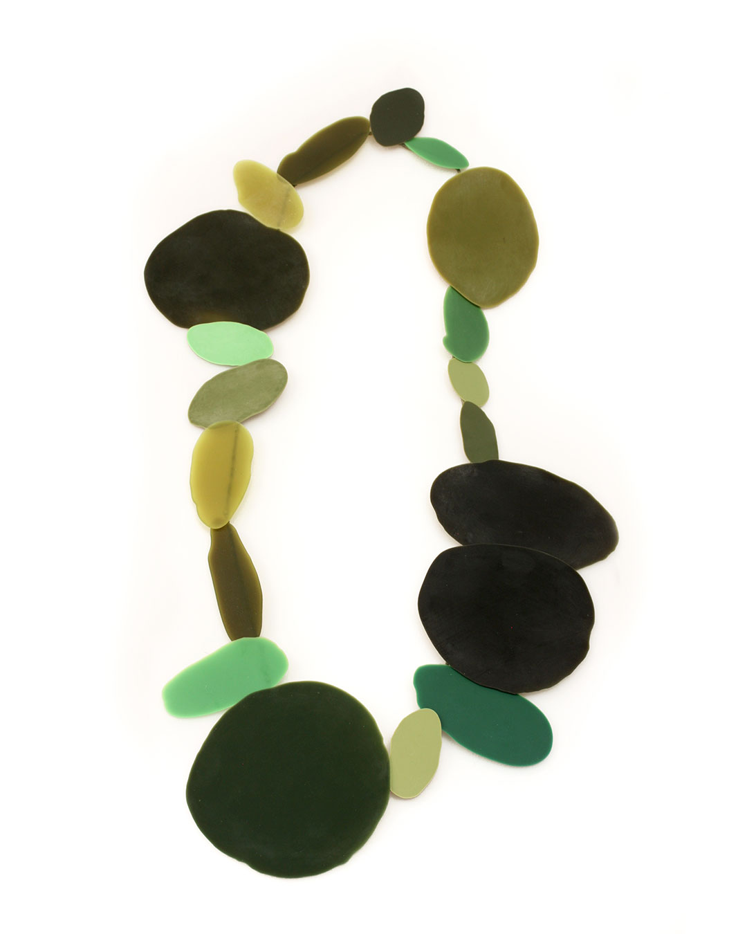 Ela Bauer, necklace, 2020, resin, pigment, jade, 700 x 400 x 15 mm, sold