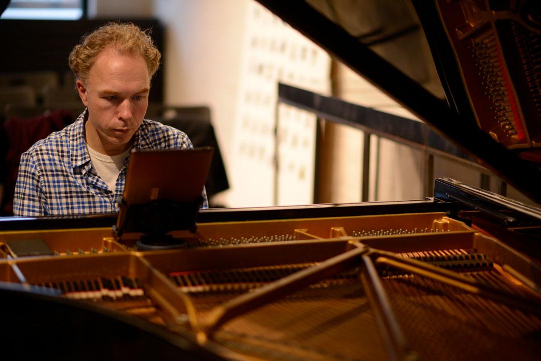 RalphvanRaath-rehearsingModerneMuziek
