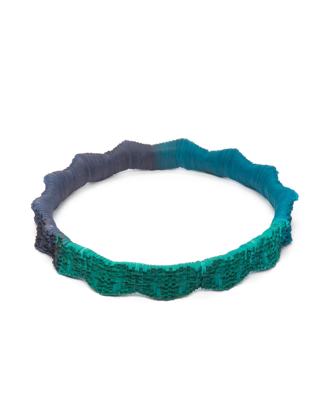 Genevieve Howard, Sassy's Blues, 2020, neckpiece, Japanese linen paper, elastic cord, 280 x 280 x 50 mm  € 2675
